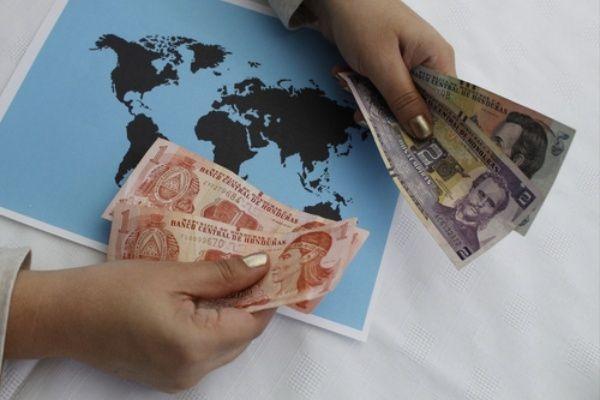 Enviar dinero a Honduras recibe con